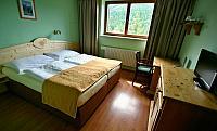 003 hotel