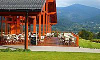 Terasa restaurace s výhledem na Lysou horu