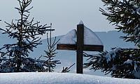 kříž na mohyle