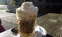 káva na terase restaurace Japaka